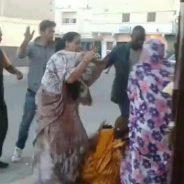 Marrokiar poliziak emakume saharar ekintzaileak jipoitu ditu Bojador hirian